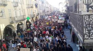 'La Giunta partecipa a 'Fridays for Future', ma le sue politiche ambientali sono contraddittorie'