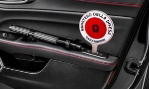 Fermati con arnesi da scasso a bordo di un'auto con targa falsificata: denunciati