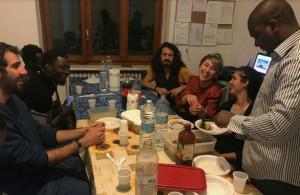 Sabato 30 marzo i richiedenti asilo di Alba e Bra aprono le porte di casa per una cena dal mondo