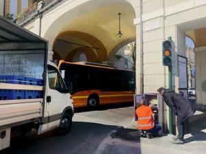 Sono in funzione da stamane i due semafori in piazza Galimberti