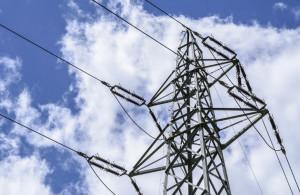 A Fossano si ispezionano le linee elettriche con l'elicottero