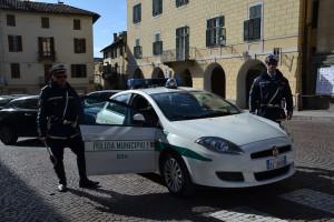 Bra: la Polizia Municipale ha ritrovato sette cellulari rubati gettati in una scarpata