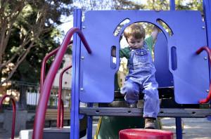 Dalla Regione fondi per i parchi gioco comunali per bambini disabili