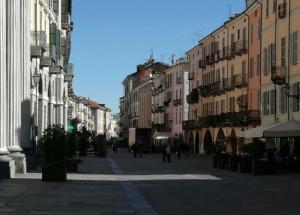 Passa il Giro d'Italia, cambia l'orario della raccolta rifiuti in via Roma a Cuneo