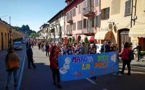 In 2 mila 500 alla Marcia della pace di Bra