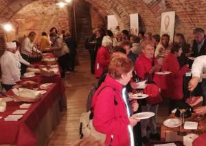 Grande affluenza di pubblico al Castello della Manta alle degustazioni dei prodotti di 'Cuneo in Tavola'