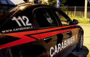 Litiga con la convivente, i vicini di casa chiamano i Carabinieri e lui li aggredisce: arrestato