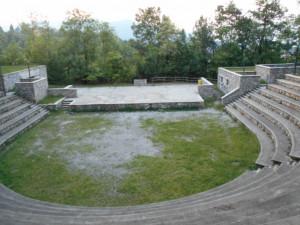 Sabato 15 giugno nell'anfiteatro di Monserrato a Borgo San Dalmazzo 'Las Maletas'