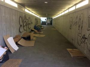 La Lega riporta l'attenzione sul sottopassaggio del Movicentro occupato dai senzatetto: 'Situazione mai risolta'