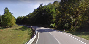 Mezzo pesante di traverso, statale del colle della Maddalena chiusa ad Aisone