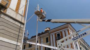 Verso l'Illuminata 2019: iniziati stamattina in via Roma i lavori di installazione dell'impalcatura