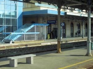 Fossano, sorpreso con un cellulare rubato su un treno: condannato un maghrebino