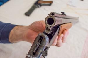 Verzuolo, l'arsenale in casa mette nei guai un cacciatore 75enne