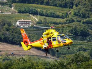 Scontro sulla Provinciale a Cossano Belbo, un ferito sull'elicottero del 118