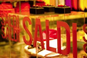 Cuneo, riprende la tradizione dei negozi aperti al giovedì sera