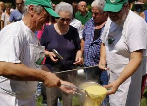 Salsiccia con polenta degli Alpini di Bra, la migliore tradizione alpina a Chiusa Pesio