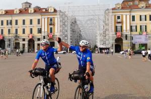 'Italy no stop': il giro d'Italia in bicicletta dei gemelli cuneesi Carlo e Giuseppe Roffinella