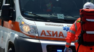 Auto contro moto a Melle, tre feriti in un incidente