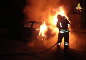 Bra: nella notte due auto a fuoco in via Sobrero
