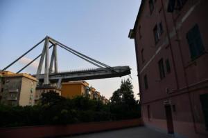 Bandiere a mezz'asta a Palazzo Lascaris a un anno dalla tragedia del ponte Morandi