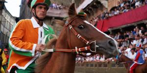 Palio di Siena: vince la contrada della Selva, gemellata con Cuneo