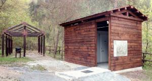 Nell'area picnic di Nucetto una fontana realizzata con materiali di recupero dell'ex miniera di carbone