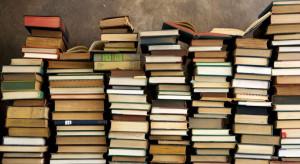 'Un libro tira l'altro': i libri più letti e commentati del mese di agosto