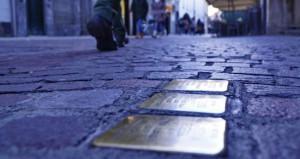 'Siano installate anche a Cuneo pietre d'inciampo in memoria delle vittime dell'Olocausto'