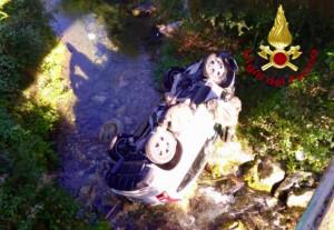 Roaschia: finisce nel fiume con l'auto, ferita una donna