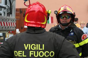 Incendio a Caraglio, in azione i Vigili del Fuoco