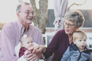 Bra festeggia i suoi nonni