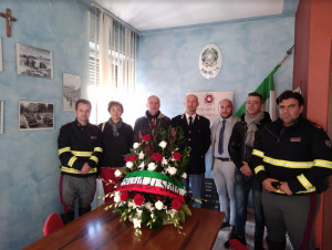 Saluzzo, deposta una corona floreale in ricordo dei due agenti di polizia assassinati a Trieste