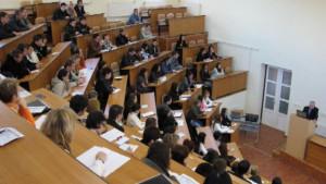 Cirio sul 'caso' borse di studio: 'Nessun taglio, solo un riordino dei conti'