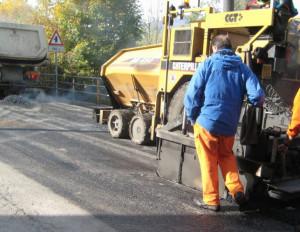 Tangenziale di Saluzzo: da martedì 5 novembre senso unico alternato per asfalti di un tratto