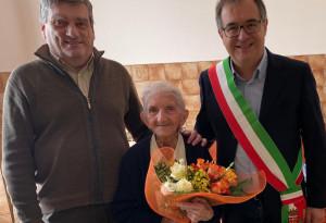 Busca festeggia i cento anni della signora Maria Luigia Isaia