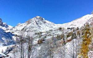 Bianco risveglio per molte località montane della Granda: ecco la prima neve (FOTO)
