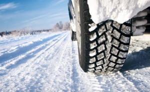 Neve in arrivo, dal 15 novembre scatta l'obbligo di pneumatici invernali