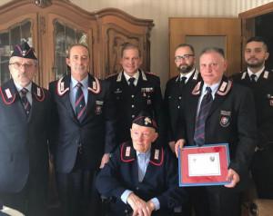 I Carabinieri di Cuneo hanno festeggiato i 100 anni dell'appuntato in congedo Valter Giaccone