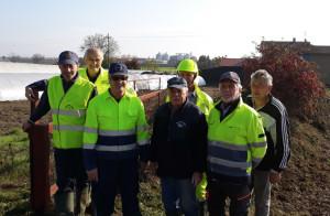 I volontari del Gruppo comunale di Protezione Civile di Busca al lavoro in frazione San Quintino