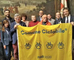 Cuneo rinnova la bandiera gialla di 'Comune Ciclabile' anche per il 2020