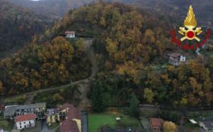 Maltempo, una frana isola borgata Abelli a Venasca: le immagini dal drone