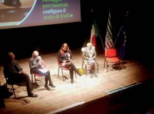 Al Teatro Civico di Busca l'incontro 'Truffe affettive, quando l'inganno corre online'