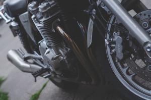 La compagna di viaggio morì sulla statale del Tenda: assolto un motociclista