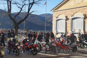 Dronero, oltre 30 'due ruote' al raduno 'Cent'anni di moto'