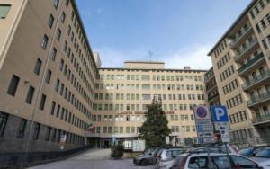 Con 'Ospita' prezzi agevolati in alberghi e B&B per chi assiste un paziente al 'Santa Croce'
