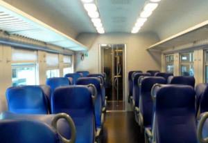 Molesta una ragazzina sul treno: 44enne albese ai domiciliari