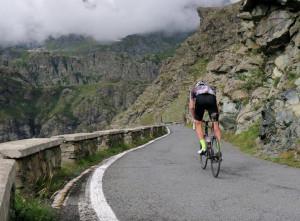 Ciclismo, due salite cuneesi in cima ad una classifica pubblicata sul sito della Red Bull