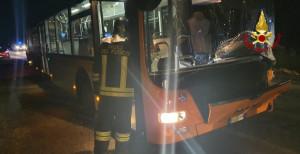 Auto contro bus tra San Pietro del Gallo e Passatore, morta una donna 49enne