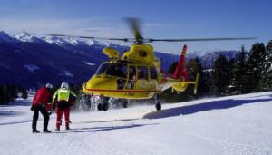 Allarme sulle piste da sci a Limone Piemonte: sciatore grave dopo un malore