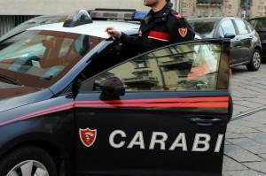Tenta di accoltellare la fidanzata, arrestato un trentenne albese